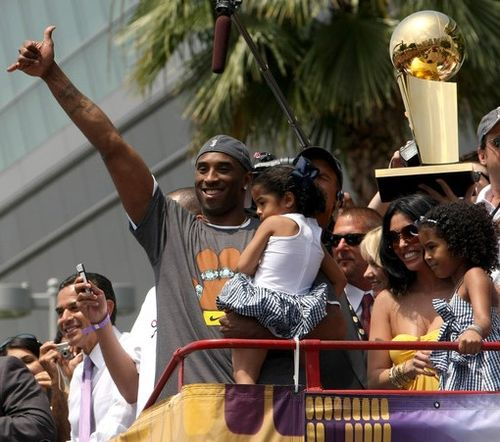Los_Angeles_Lakers_NBA_Finals_Championship_8sFcPEb4Y8Bl