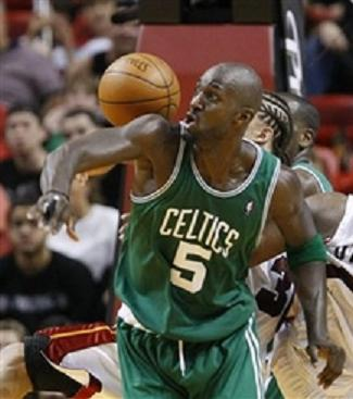 Garnett ball on shoulder
