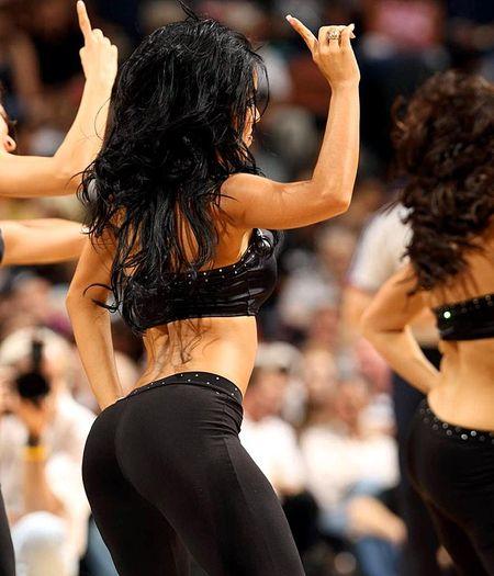 Spurs-silver-dancers(14)