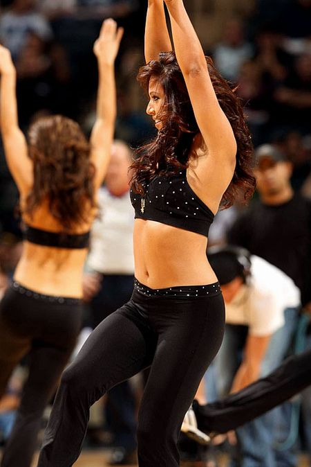 Spurs-silver-dancers(03)