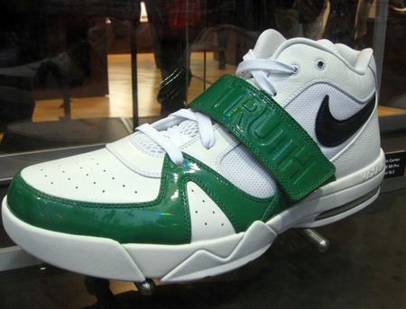 Nike-basketball-pe-display-nike-hk-03