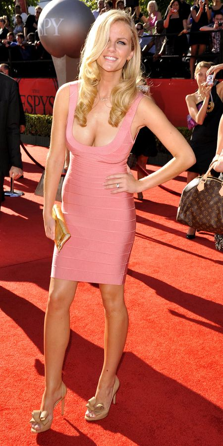 Brooklyn-decker-pink-espy-03