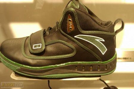 Kg black shoe