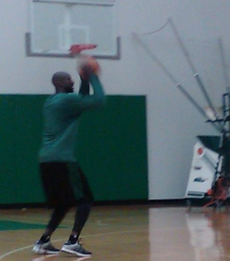Kg shooting around