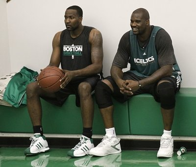Perk and shaq in practice
