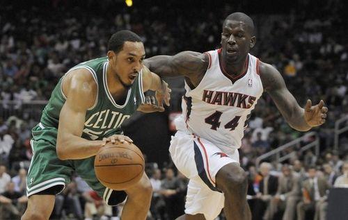 Ryan hollins against the Hawks