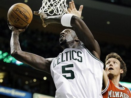Kevin garnett against milwaukee