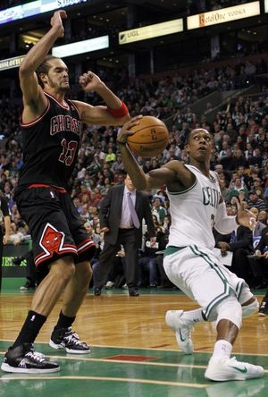 Rajon rondo ball fake against Chicago