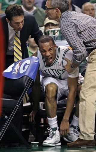 Avery bradley shoulder injury